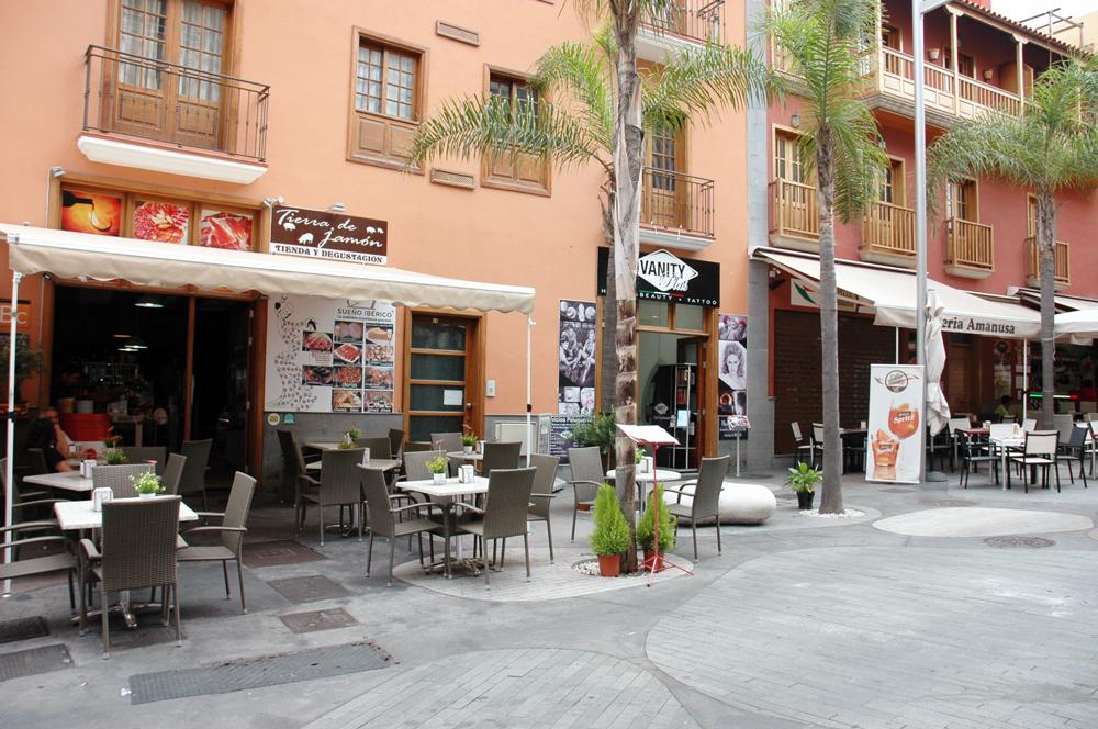 Belleza, pizza y vino en la calle La Hoya del Puerto de la Cruz